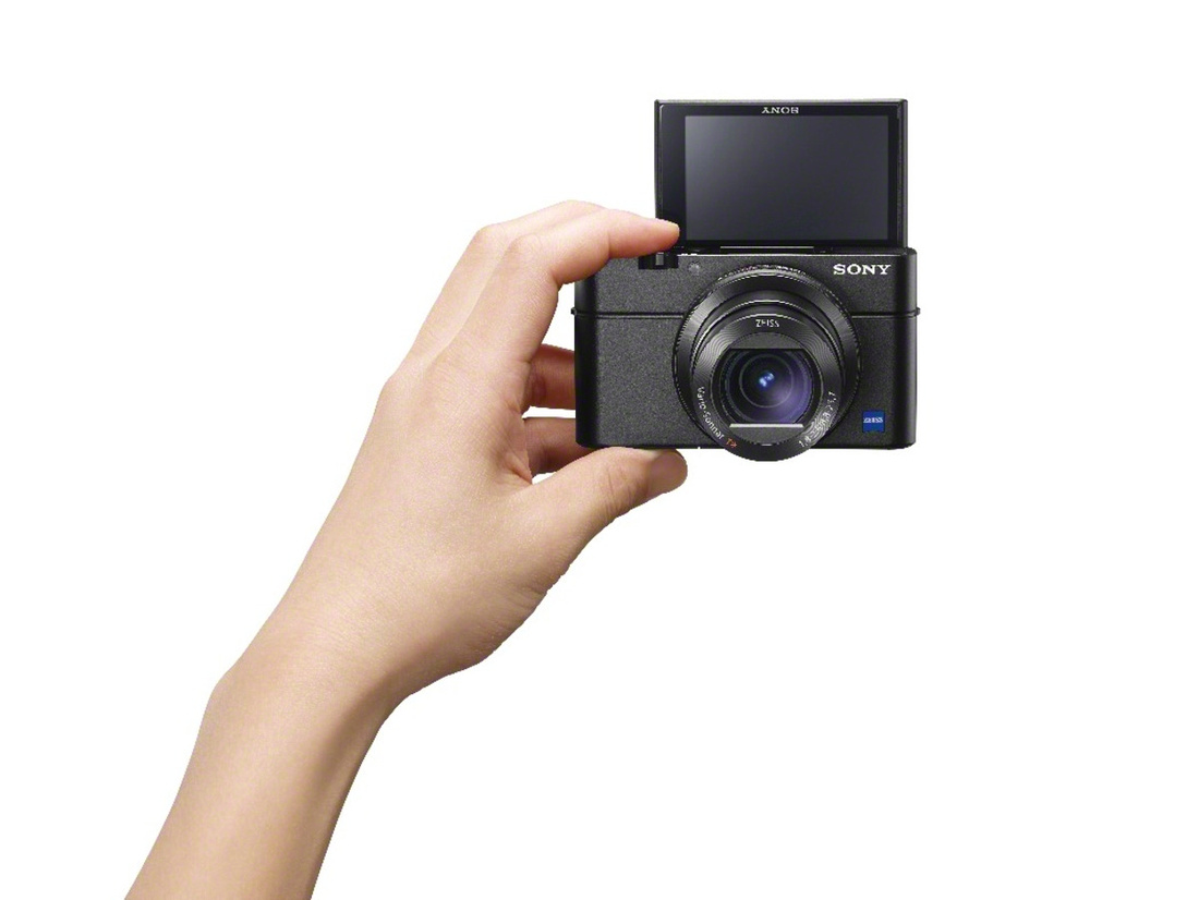 RX100III_front_hand-1200